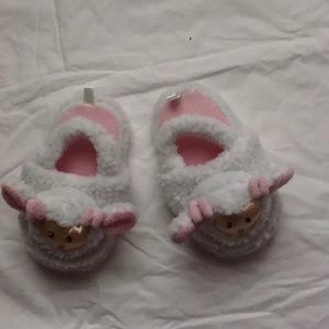 Children's Place Lamb Slippers 8/9